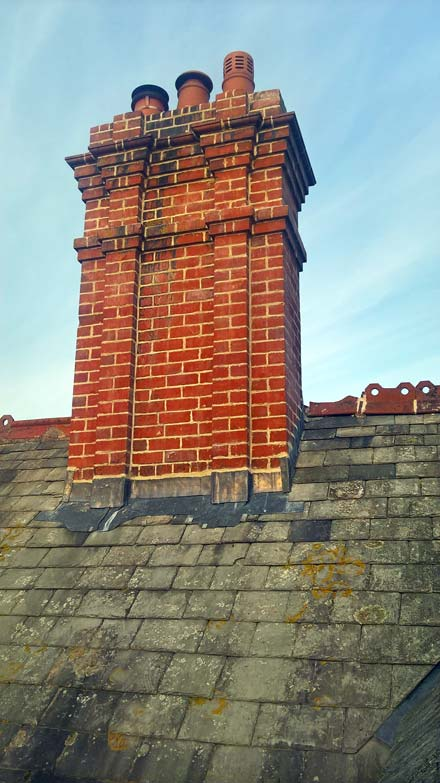Photo:chimney recapped and pointed with hot mix lime